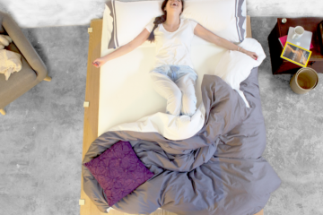 mamá usando un colchón