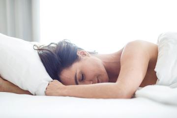 Mujer durmiendo: Tipos de sueño